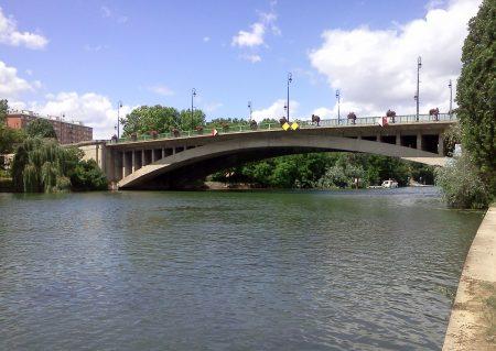 Pont de Joinville-le-Pont micro-crèche Minilions